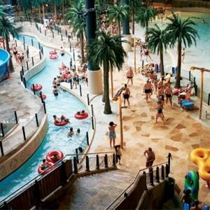 Besøk skandinavias største badeland Aquadome™.