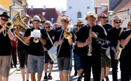Sommermusikanter i gaten