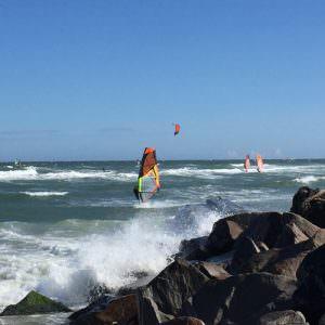 Cold Hawaii windsurf